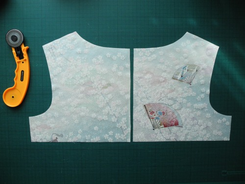 Kimono fabric cut for a Dove fitted T