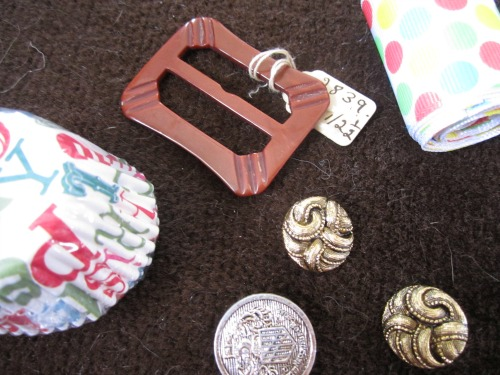 Sewists Secret Santa goodies | Modern Vintage Cupcakes