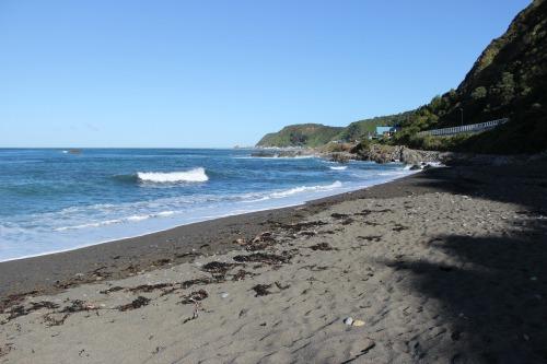 beachRight