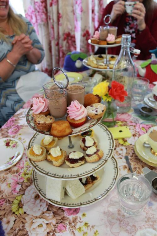 High Tea at The Little Teapot | Modern Vintage Cupcakes