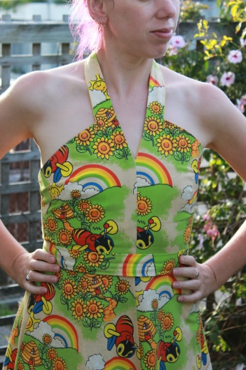 Buzzy Bees dress   Modern Vintage Cupcakes